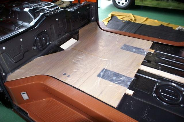 ハイエース床貼りキット